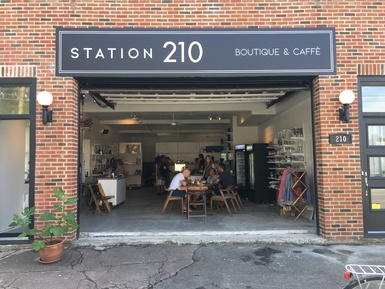 STATION 210 (BOUTIQUE CAFFÈ)